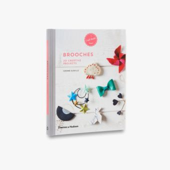 9780500518441_MultiBookA_Brooches.jpg