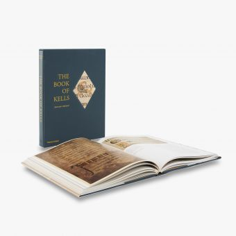 9780500238943_BoxSetA_the-Book-of-Kells_.jpg